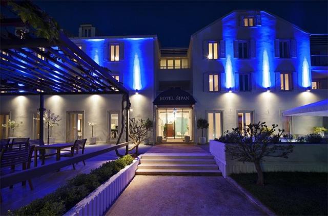 Hotel-Sipan-Outside