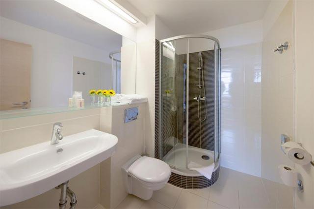 4-Hotel-Sipan-Bathroom