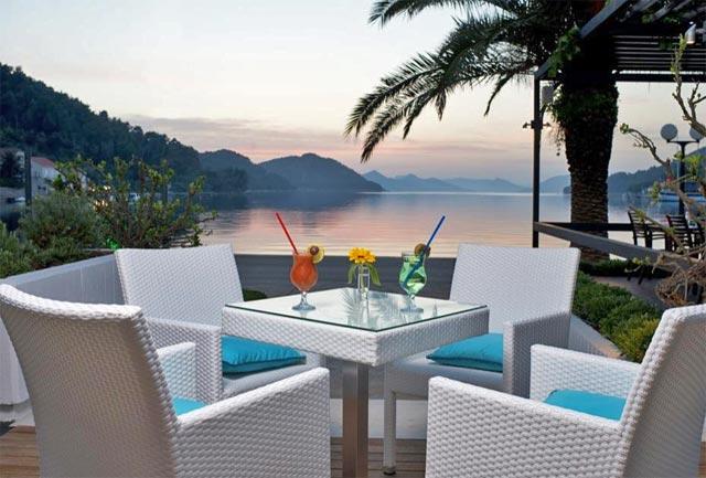 Hotel-Sipan-Outside-Terrace-2