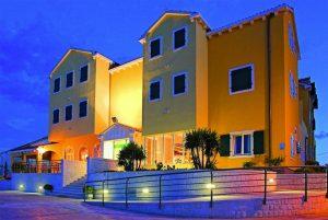 Hotel-Spongiola-Night