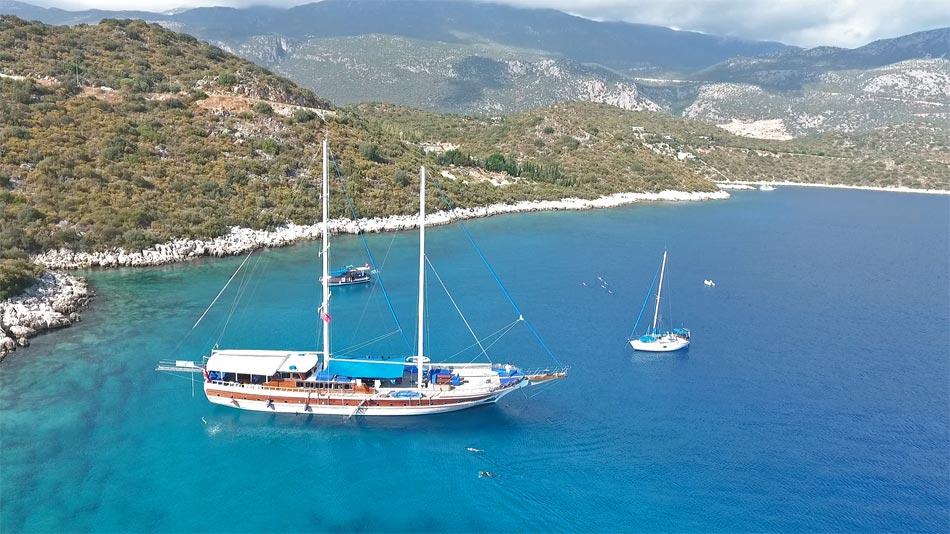 Swimming-Turkey-Guvercin-Island-Kas