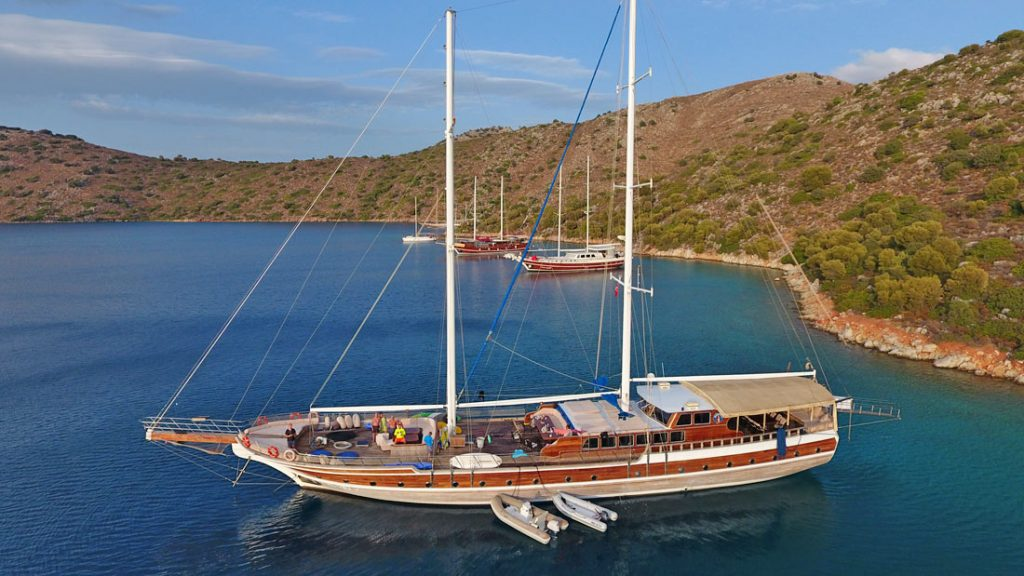 Liveaboard-Gulet-Swimming-Cruise