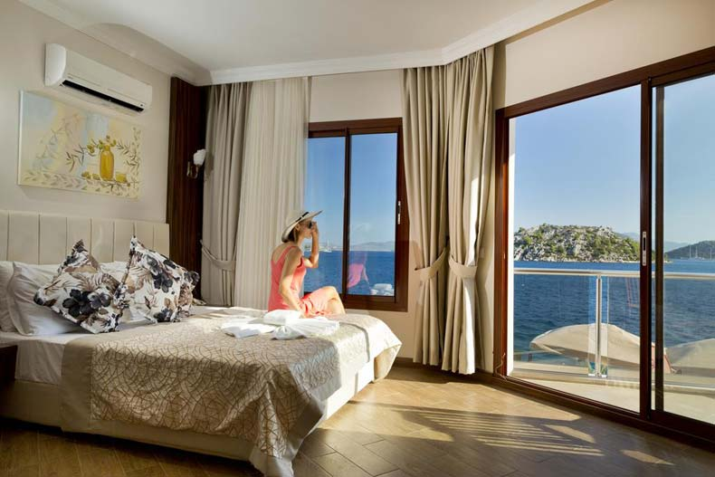 Tymnos-Hotel-Room