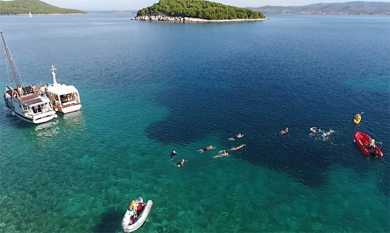 Group-Swimming-Croatian-Islands