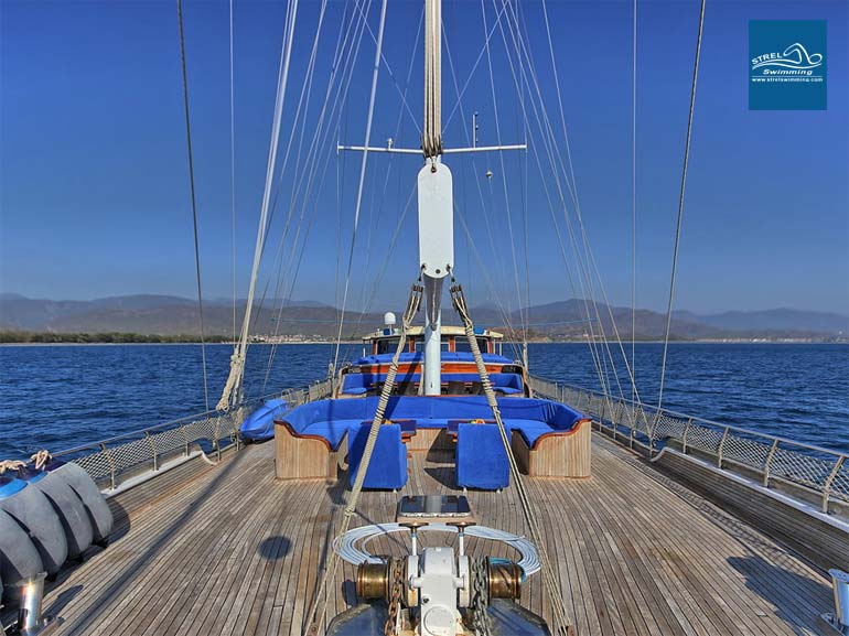 Boat-Deck-Liveaboard-Swimming-Holiday