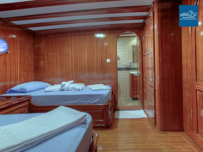 Liveaboard-Swimming-Cruise-Twin-Room